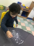 N5 Painting and glitter for snow pictures